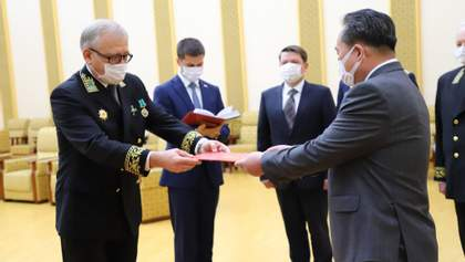 Путін нагородив Кім Чен Ина медаллю за Другу світову: фото