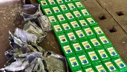 В Україну в бананах намагалися ввезти кокаїн: фото знахідок