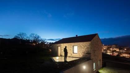 Заради безпеки: в Португалії побудували житло з рибальською сіткою над подвір'ям – фото