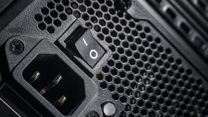 Експерт віддалено зламав ПК за допомогою блоку живлення: вражаюче відео
