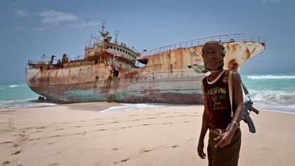 В Африці пірати напали на вантажне судно й викрали українця: що кажуть у МЗС