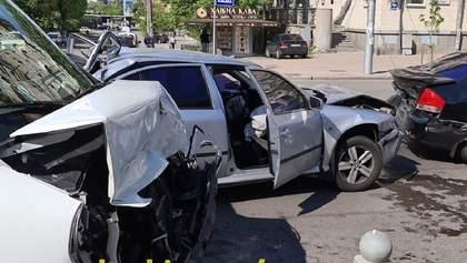 У Києві сталася потрійна аварія: є постраждалі – фото