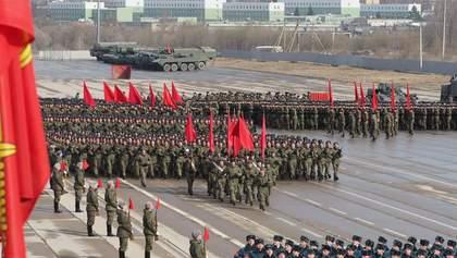 Досвяткувались: серед російських військових масовий спалах COVID-19 через репетиції параду