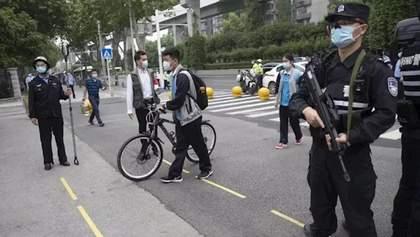 """Місто у Китаї переходить в """"режим воєнного часу"""" для боротьби з коронавірусом: що відомо"""