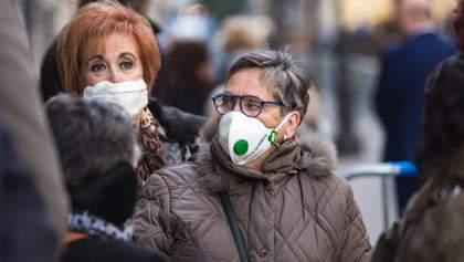 Перша країна у світі: Чехія дозволила не носити захисні маски на вулиці