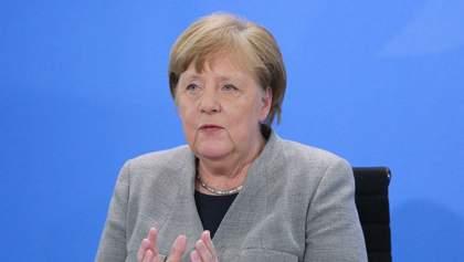 Гібридна війна Росії: Меркель погрожує Москві санкціями через хакерські атаки