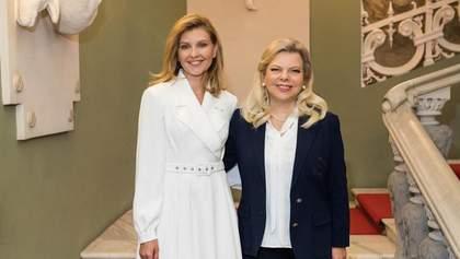 Олена Зеленська віддала на благодійність особливу сукню: яке вбрання пожертвувала перша леді