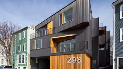 Гофрована сталь та дерев'яна оббивка: фото модерного житлового будинку в Бостоні