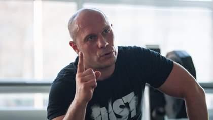 Нардеп Кива под стенами Рады матерился и угрожал побить украинцев: скандальное видео