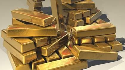 Самая высокая цена за последние семь лет: золото непрерывно дорожает