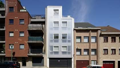 Полікарбонат замість фасаду: фото незвичної багатоповерхівки з Бельгії
