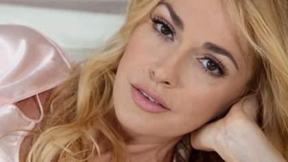 Ольга Сумська влаштувала сексуальну зйомку на ліжку: спекотні фото