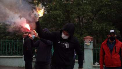 """""""Вибух"""" біля офісу Медведчука: дані поліції, """"Накорпусу"""" та ОПЗЖ суттєво різняться"""