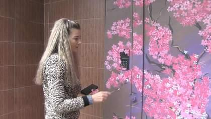 На карантині художниця почала розписувати двері під'їздів: дивовижні роботи