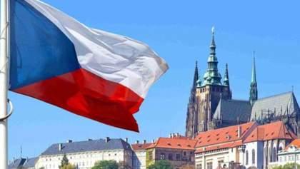 Чехия возобновила выдачу рабочих виз для украинцев, однако посольство в Киеве не работает
