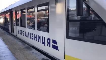 Частные компании пытаются через шантаж получить заказ на поставку масел Укрзализныци