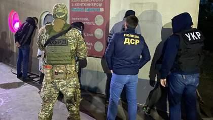В Одессе поймали киллеров, стрелявших в главаря наркокартеля в Киеве: видео задержания