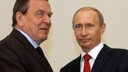 """Шредер назвав українського посла """"карликом"""", друг Путіна міг бути п'яним під час інтерв'ю"""