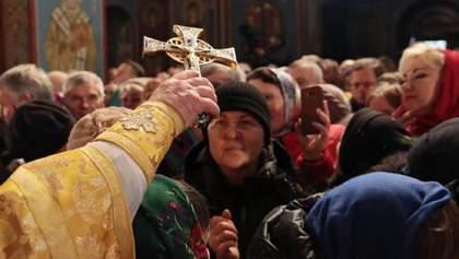 Літургія без масок: священника з Івано-Франківщини оштрафували на 34 тисячі гривень
