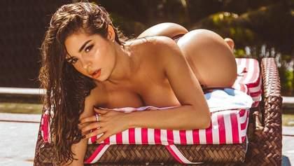Гаряча Демі Роуз засвітила пишні оголені груди: фото 18+