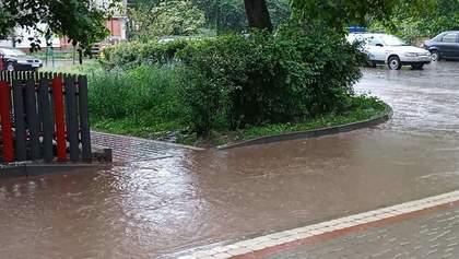 Україною пронеслася потужна злива з рясним градом: які регіони постраждали – фото, відео