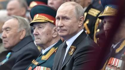 Парад жертвоприношення: як Путін намагається врятувати свою удачу