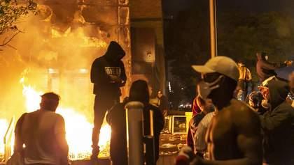 Протесты в США: неизвестные стреляли по активистам