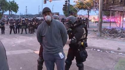 Протесты в Миннеаполисе: темнокожего журналиста CNN задержали в прямом эфире