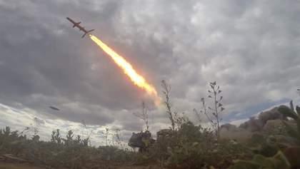 """Техника войны: Кремль обеспокоен испытанием РК """"Нептун"""" в Украине. ВСУ получили новые БТР-4Е"""