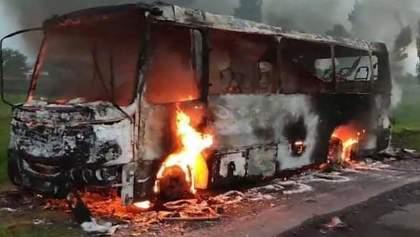 Сгорел дотла: возле Днепра в автобусе с пассажирами вспыхнул пожар – фото, видео