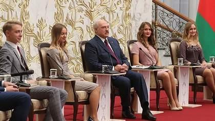Президентом має бути мужик: Лукашенко каже, що білоруси не готові до жінок-лідерок