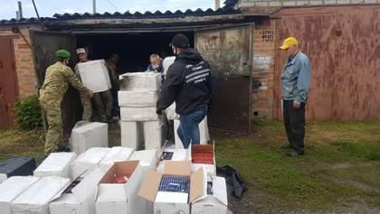 Сигареты из России более чем на миллион гривен: нелегальный склад обнаружили на Харьковщине