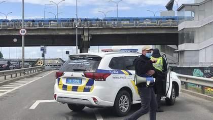 Замінування мосту Метро у Києві: все, що відомо – фото, відео