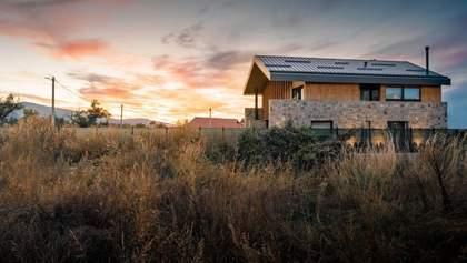 Идеальный прямоугольник: фото дома с незыблемой геометрией фасада