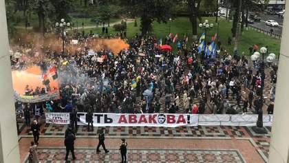 """Абсолютна більшість """"Слуг народу"""" проти відставки Авакова, – нардеп"""
