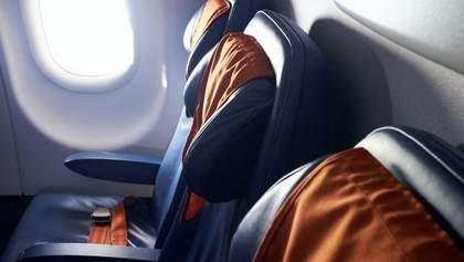 Влада Польщі постановила, що у літаках можуть бути зайняті лише 50% місць