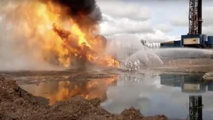 В России уже неделю горит нефтяная скважина, тушить собрались противотанковой пушкой: видео