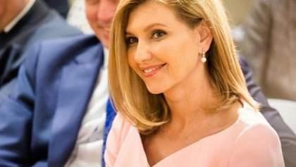 Зеленский хочет закрепить в законодательстве обязанности первой леди, чтобы жену не критиковали