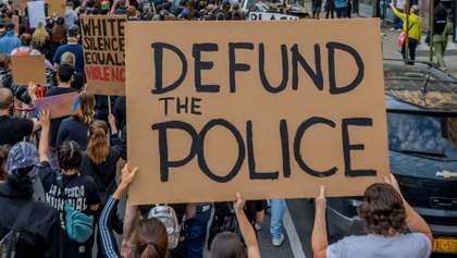 Меньше денег и роспуск: что ждет полицию США после убийства Флойда