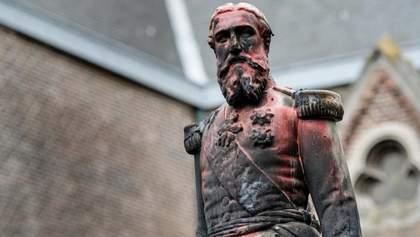 Після протестів у Бельгії знесли пам'ятник королю, який перетворив жителів Конго в рабів: фото