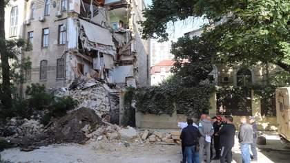 Слышали треск и жаловались на трещины: жители рассказали детали обвала дома в Одессе