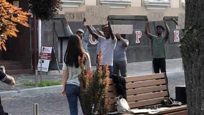 Акції проти расизму у Тернополі: місцевий депутат просить депортувати темношкірих студентів