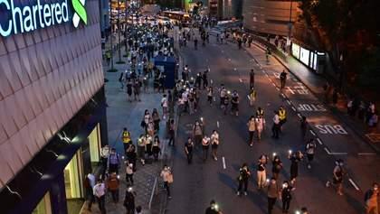 В Гонконге возобновились протесты в память о страшных событиях прошлого года: фото, видео