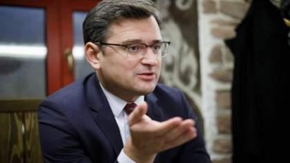 Це досі небезпечно, – Кулеба пояснив, чи пускатимуть українців за кордон