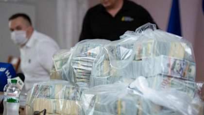 Суд взяв під варту усіх трьох підозрюваних у справі про рекордний хабар