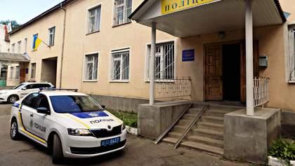 Девушка говорит, что ее избили в отделении на Закарпатье: удары наносила полицейская