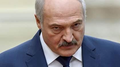"""Білорусь не віддамо: Лукашенко вважає, що протести в країні """"розгойдують"""" ззовні"""