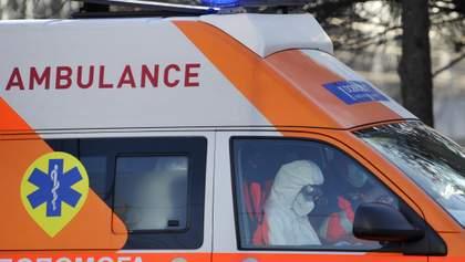 """У Вінниці 76 працівників """"швидкої"""" заразилися коронавірусом"""