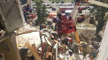 Вибух на Позняках: можливий обвал будинку, мешканців відселять