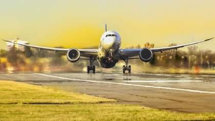 Авіасполучення України з Польщею: коли можуть відновити